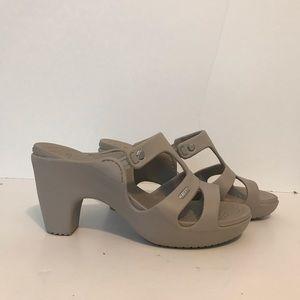Crocs Cypress V heel sandal